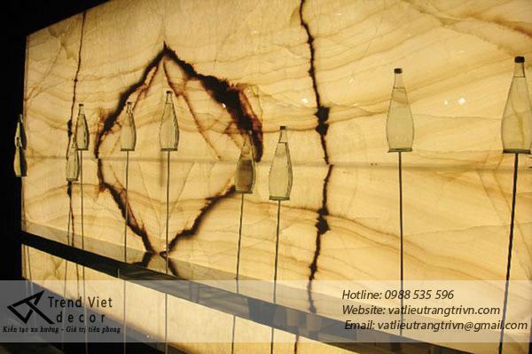 Kiến trúc độc đáo với đá xuyên sáng Onyx