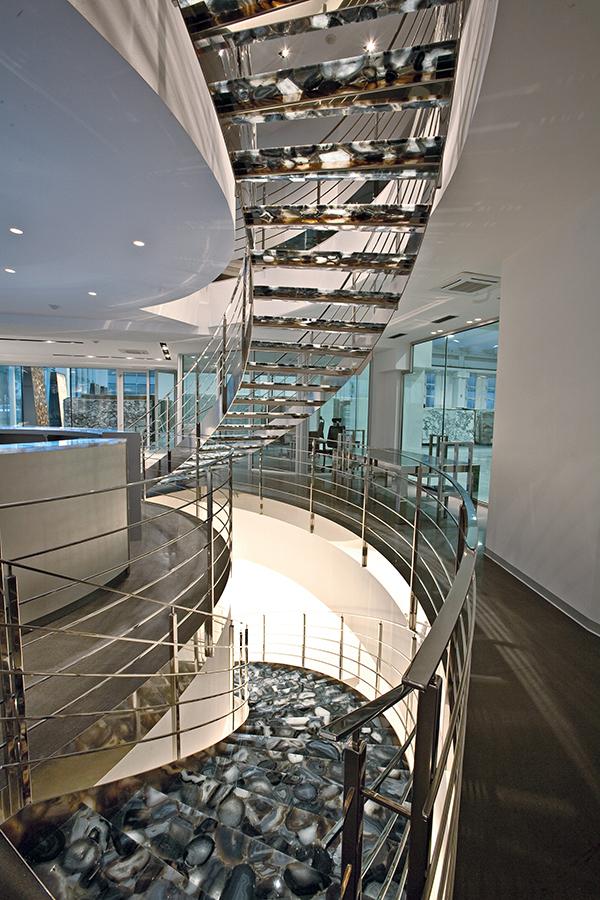 Đá xuyên sáng trong kiến trúc hiện đại 1