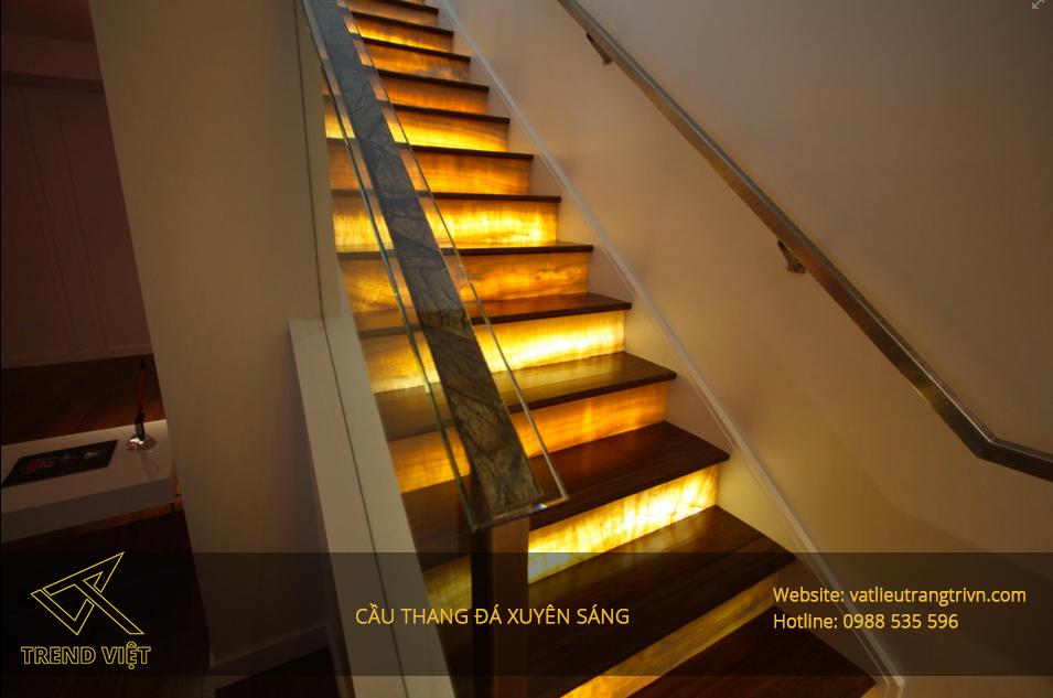 cầu thang xuyên sáng
