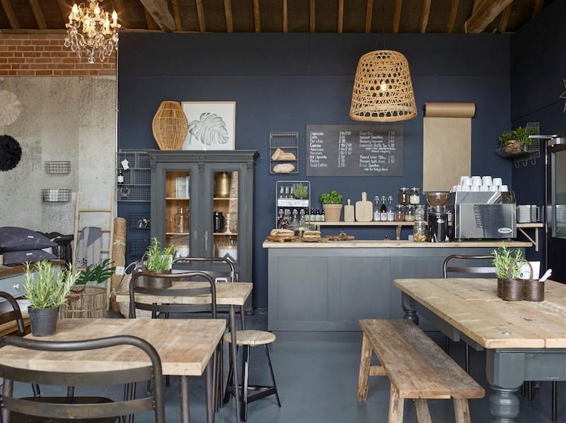 thiết-kế-quán-cafe-diện-tích-nhỏ 2