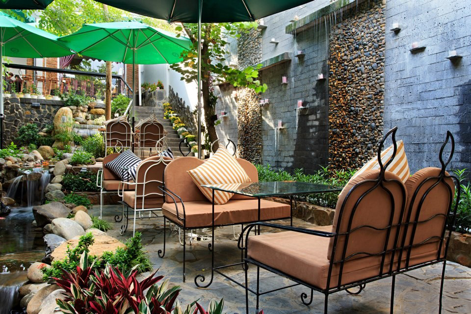 thiết-kế-quán-cafe-sân-vườn 5