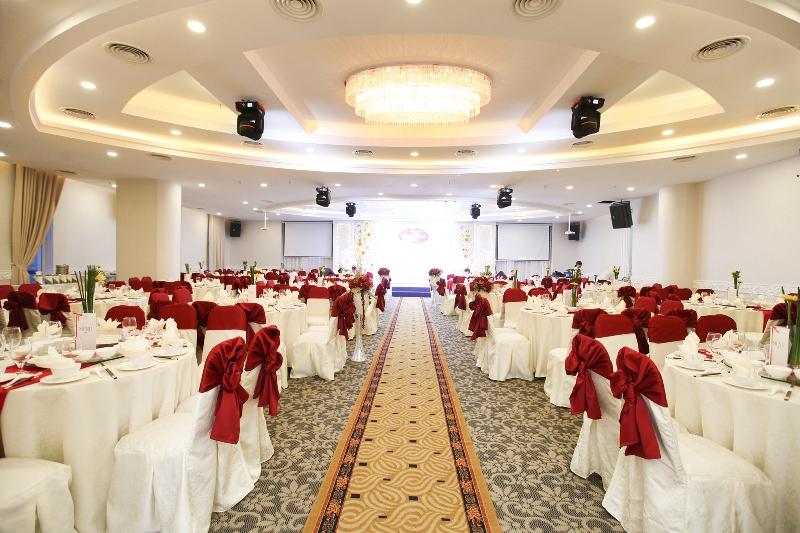tiêu-chuẩn-thiết-kế-nhà-hàng-tiệc-cưới 2