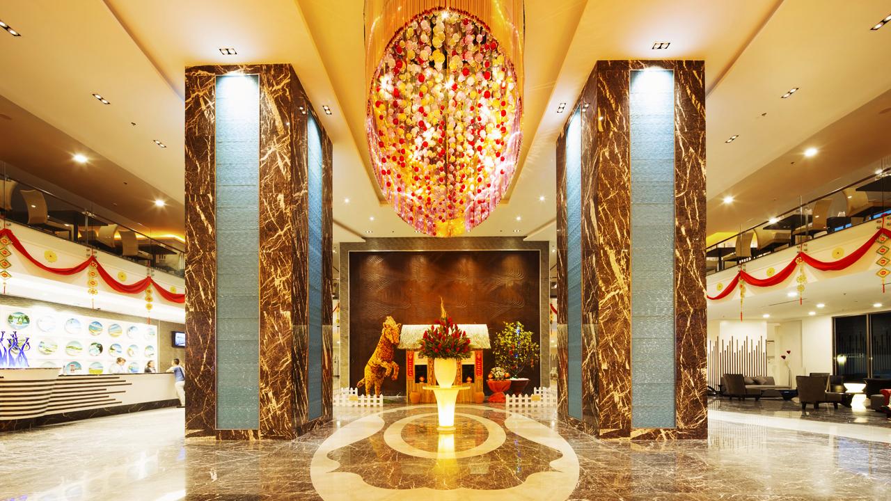 trang trí sảnh khách sạn 4