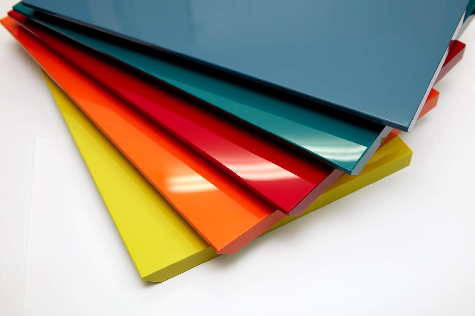 Tam-Acrylic-3